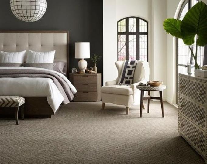 carpeted-bedroom