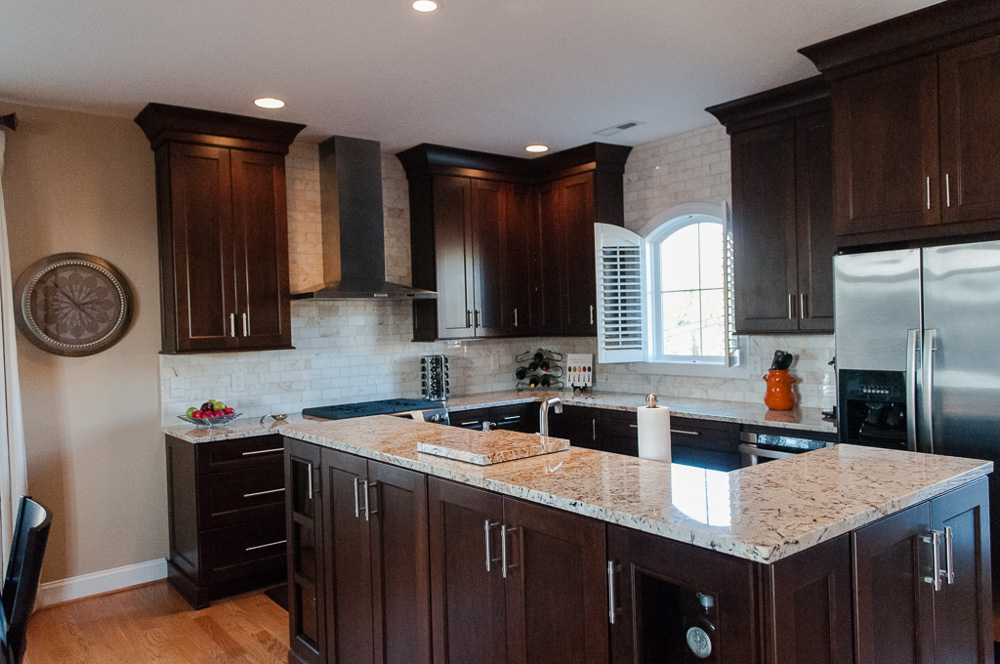 kitchen-with-dark-cabinets